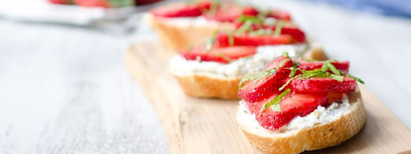 Strawberry Month Favorite Recipes | Strawberry Ricotta Crostini